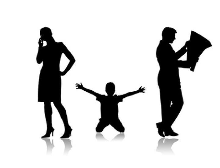 Autoritatea părintească. Cine răspunde pentru prejudiciile cauzate de minor?
