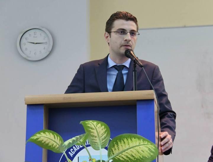 De vorbă cu domnul profesor Ovidiu Ioan Dumitru- despre carieră şi educaţie