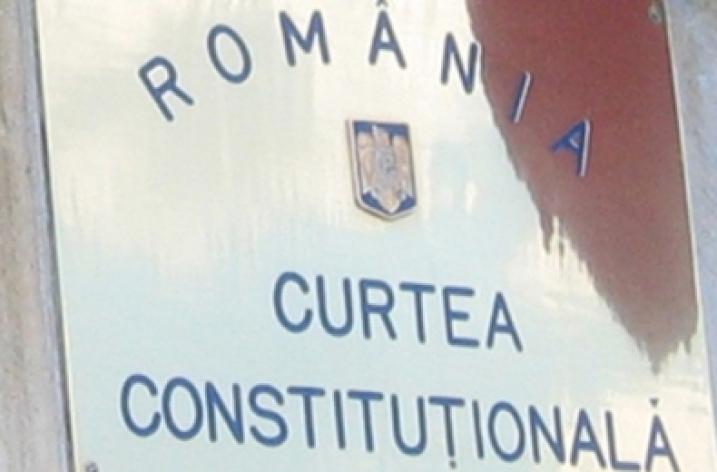 Suspendarea contractului de muncă în urma plângerii penale a angajatorului este neconstituțională