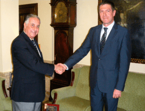 20140725-Subdelegado-Huelva-y-cónsul-Rumanía