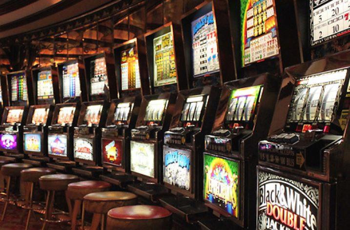 Clauză de neconcurență cu penalități și impact asupra pieței jocurilor de noroc de tip video-loterie și slot-machine
