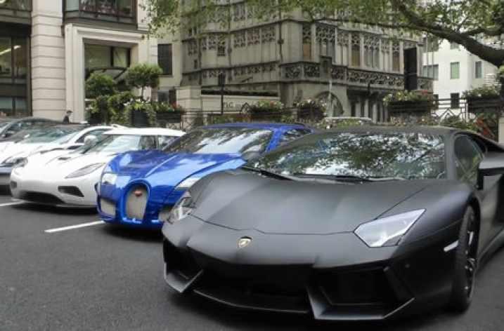 ANAF scoate la vânzare maşini de zeci de mii de euro la preţuri de Logan!