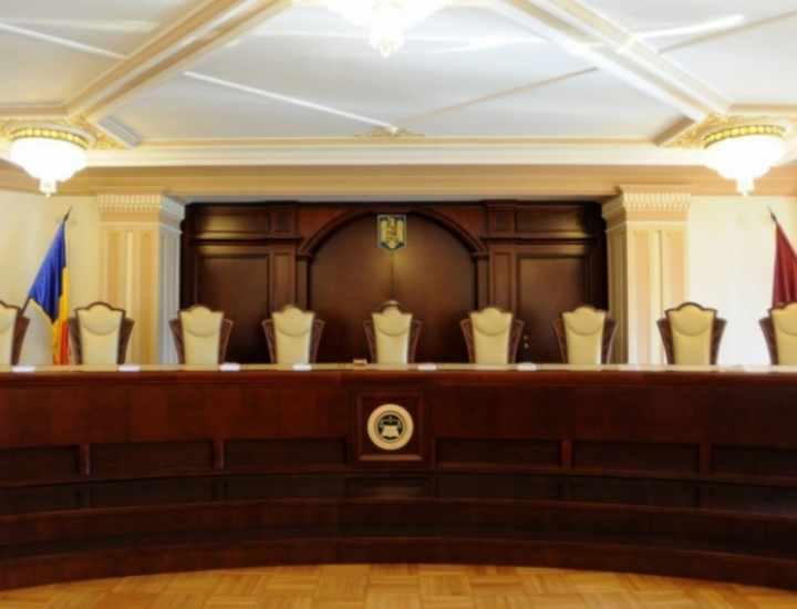 DEZBATERE Ipoteze de lucru in solutionarea conflictelor juridice dintre autoritatile publice in baza solutiei CCR